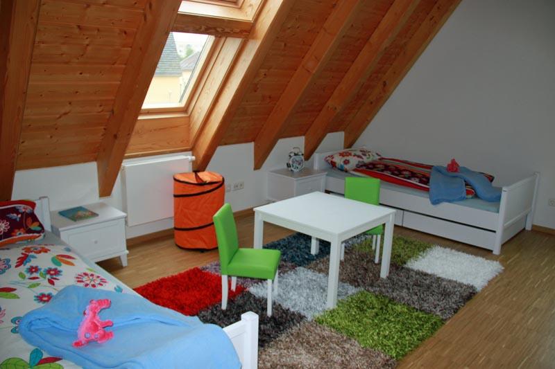 schmidt engagement im sos kinderdorf gera schmidt k chen und wohnwelt in dresden. Black Bedroom Furniture Sets. Home Design Ideas