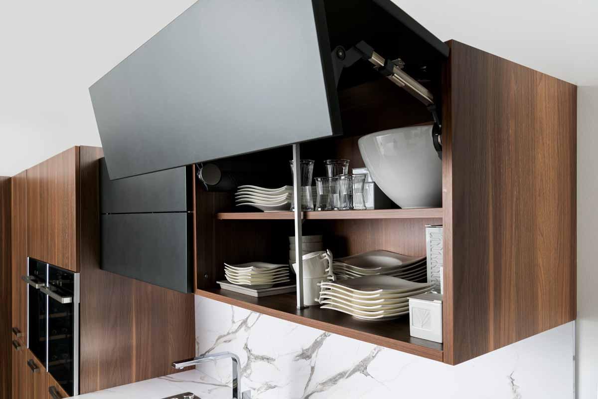 Hängeschrank mit Falttür › Schmidt Küchen und Wohnwelt in Dresden