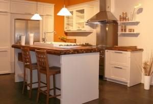Landhaus-Küche Bolero in Creme oxfort