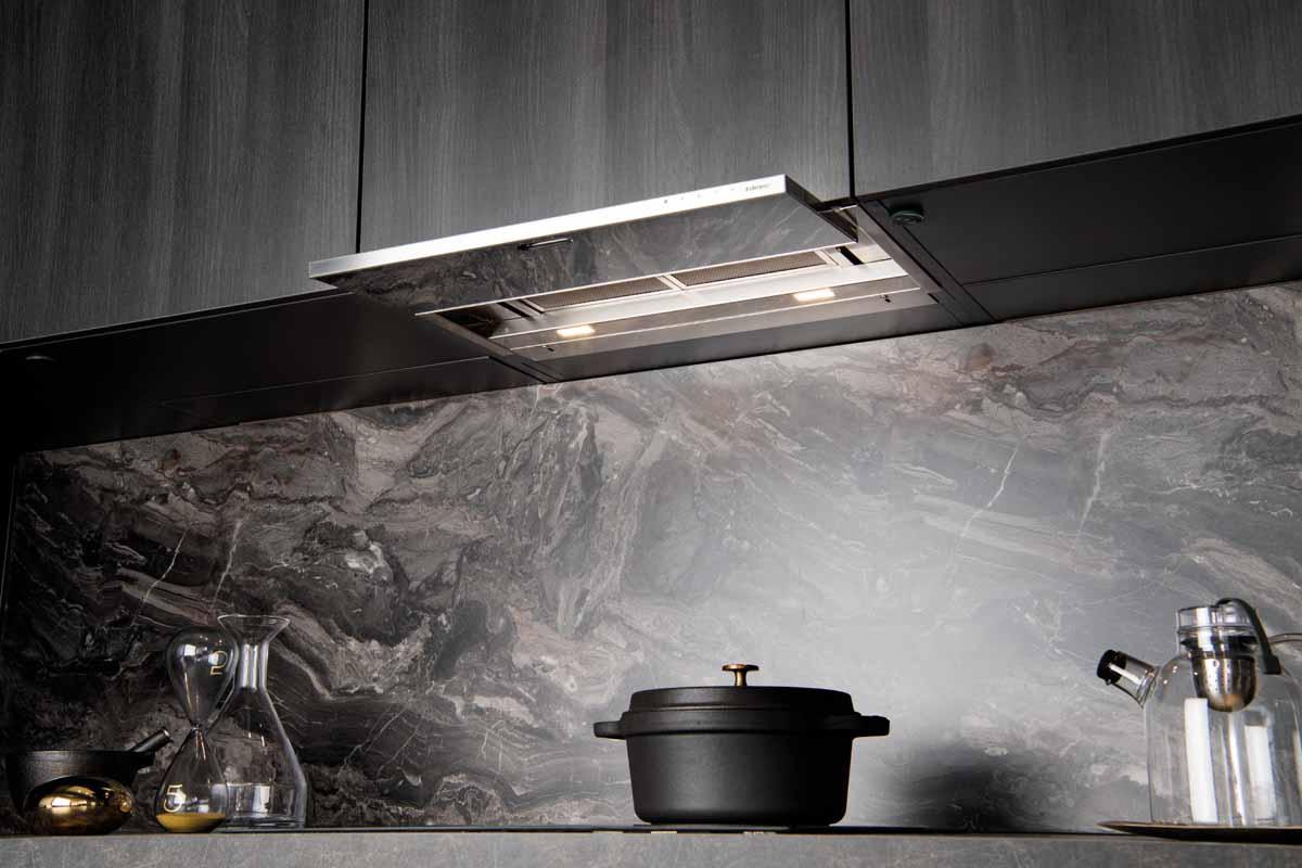perfekter spritzschutz f r die k che schmidt k chen und wohnwelt in dresden. Black Bedroom Furniture Sets. Home Design Ideas