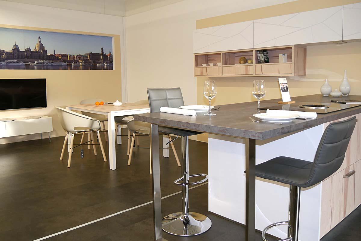 Ausziehebarer Tisch für Wohnküche